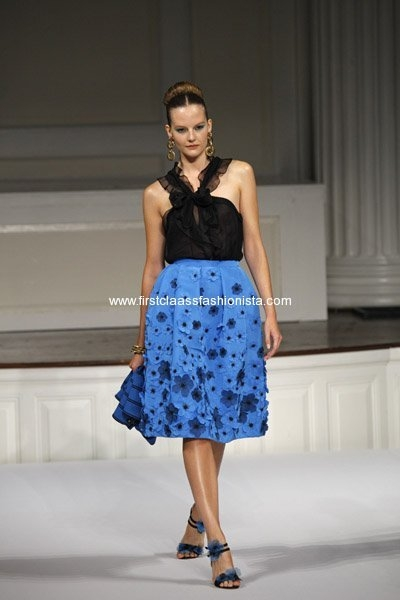 oscar-de-la-renta-spring-2011-fashion-show-at-mercedes-benz-fashion-week-21