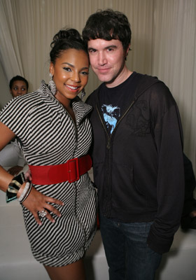 ashanti-w-my-space-tom-anderson.jpg