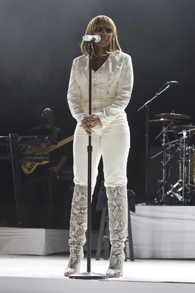 mary j blige hairstyles. Mary J. Blige#39;s Hairstyle