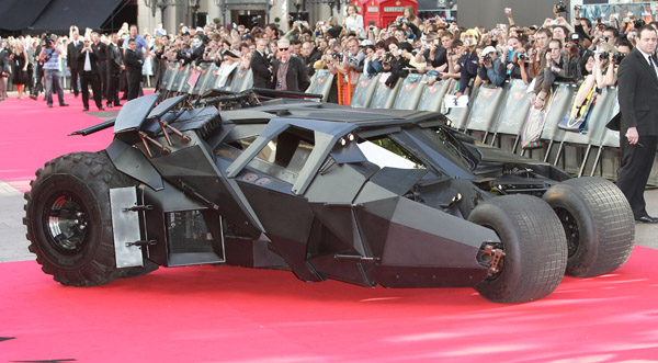 """First Class Fashionista would like to invite you to shop: Discount Designer Clothes Discount Designer Shoes Discount Designer Handbags *BOOKMARK THIS SITE* Top Celebrity Gossip Blogs Batman: """"The Dark Knight"""" […]"""