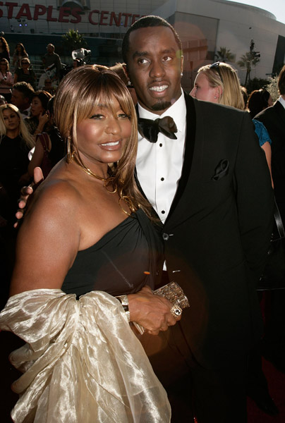 A tuxed Diddy and his beautiful and (I must say) very youthful looking mom on the red carpet of the 60th Primetime Emmy Awards held at the Nokia Theatre in […]