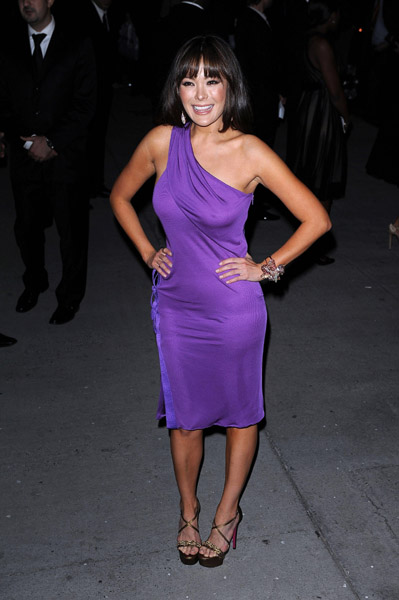 Celebrity Oops: Lindsay Price Breast Exposed