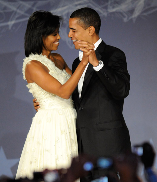 president-barack-obama-and-first-lady-michelle-obama-at-mtv-and-servicenations-be-the-change-live-from-the-inaugural-ball-at-the-washington-hilton10