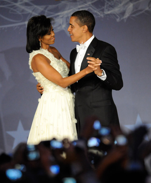president-barack-obama-and-first-lady-michelle-obama-at-mtv-and-servicenations-be-the-change-live-from-the-inaugural-ball-at-the-washington-hilton2