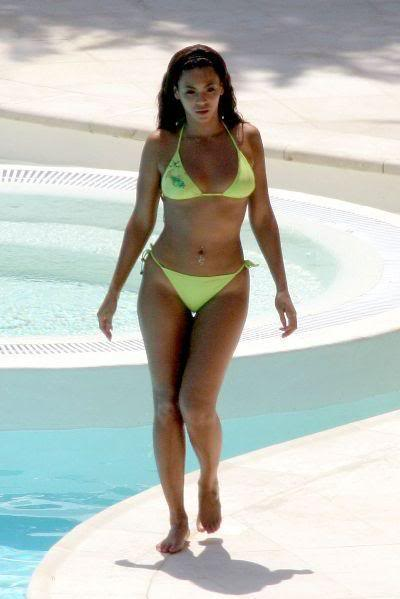 Beyonce's Swimsuit Photo: Celebrity Swimsuits