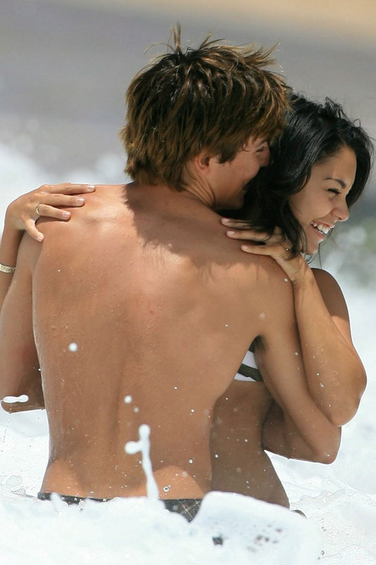 zac efron and vanessa hudgens at beach. Zac Efron at The Beachlt;/agt;