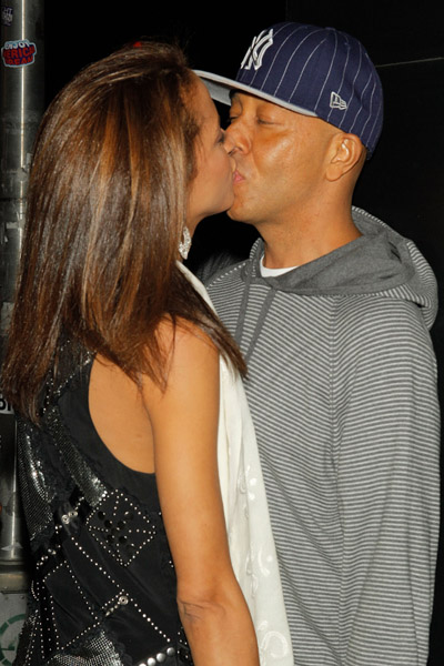 Russel Simmons Kissing Women
