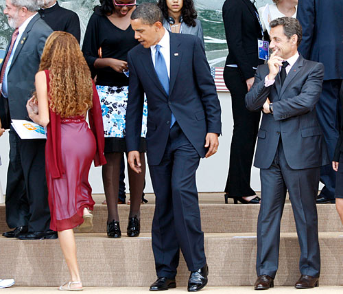 Obama Checking Out Girl's Butt