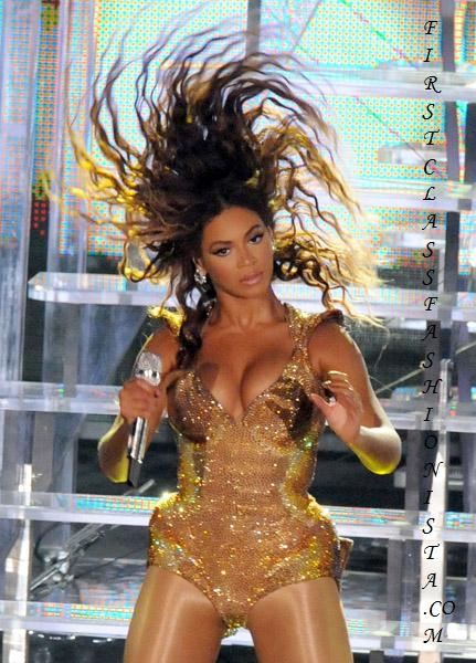 Beyonce perfoms at F1 Rocks Singapore