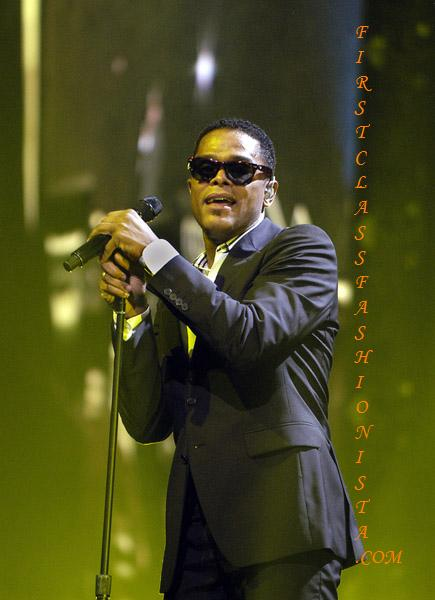 Maxwell on Tour 2009