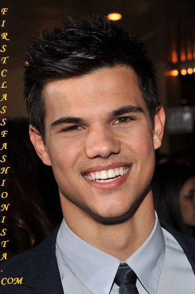 Taylor Lautner at New Moon Movie Premier
