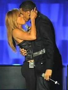 Toni Braxton and Trey Songz Kiss