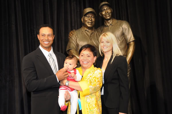 Tiger Woods Mom and family