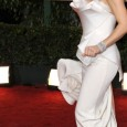 Kate Hudson on the Red Carpet of the 2010 Golden Globe Awards. Kate Hudson's red carpet hairstyle and dress at the 67th Annual Golden Globe Awards held at The Beverly...