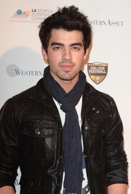 Joe Jonas on Daily 10