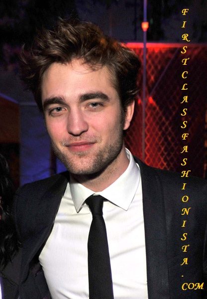 Robert Pattinson at the Premiere of New Moon