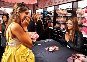 Fan Meets Adriana Lima Yorkdale Shopping Centre