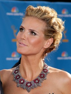 Heidi Klum Hairstyle at Emmy Awards 2010