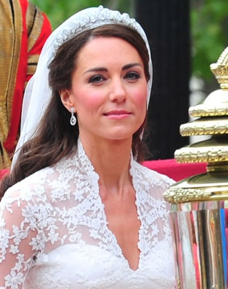 Bride Hairstyles on Kate Middleton   S Wedding Day Hairstyle And Makeup   First Class