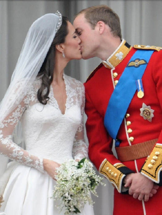 Prince William and Kate Middleton Wedding Kiss