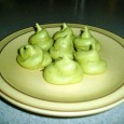 Matcha Green Tea Meringues I love matcha green tea, and meringues are some of my favorite cookies as they are fat free and low in calories. They are made of […]