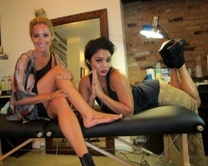 ashley tisdale and vanessa hudgens getting tattoos