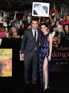Kristen Stewart Twilight Premiere on Robert Pattinson And Kristen Stewart At Twilight Premiere