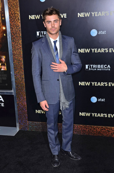 stars take to nyc for new year s eve premiere first class fashionista