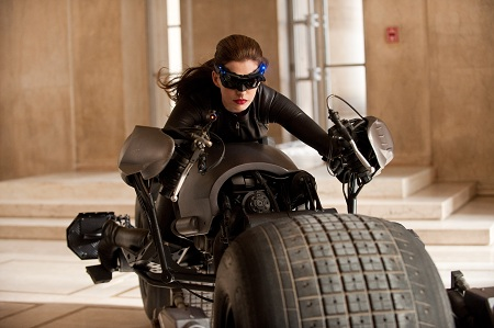 dark knight rises anne hathaway catwoman