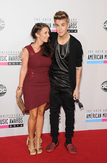 AMAs justin beiber and his mom