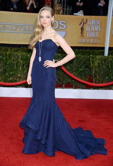 amanda seyfried red carpet dresses