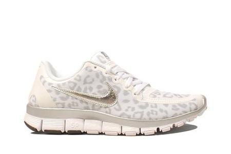 nike free white leopard