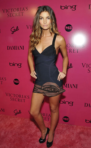 vs pink carpet lily aldridge